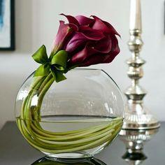 Se você colocar um vaso de cristal na lama, ele será sempre um cristal. Se você colocar lama em um vaso de cristal, pode até ficar bonito, mas será sempre lama. A aparência não muda a essência.