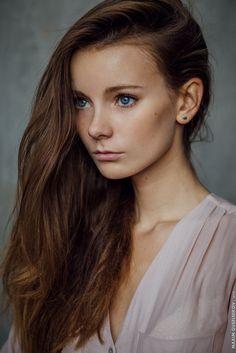 Anna Sladkova by Maxim Guselnikov