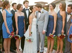 lots of fun ideas for wedding party pictures!