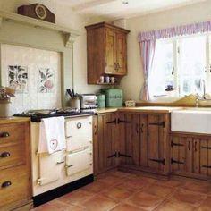 """Old Farmhouse Kitchen - Lim Lim Jelinek, this reminds me of your """"new"""" kitchen! Old Farmhouse Kitchen, Old Kitchen, Rustic Kitchen, Kitchen Decor, Kitchen Ideas, Kitchen Designs, Timber Kitchen, Country Farmhouse, Kitchen Inspiration"""