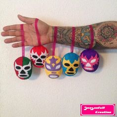 Mexikanische Fiesta Themed Photo Booth Props Inc: von LMPhotoProps Diy Arts And Crafts, Felt Crafts, Diy Crafts For Kids, Mexico Christmas, Christmas Diy, Christmas Sweaters, Man With Tattoos, Mexican Christmas Decorations, Tequila