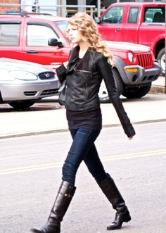 Love Taylor Swifts style.
