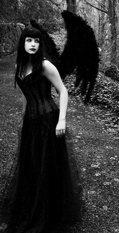 Lilith, the Queen of demons. Partner of Lucifer. portrayed here in the most common manifestation as a beautiful, seductive woman. Angel Of Death Costume, Black Angel Costume, Dark Beauty, Gothic Beauty, Bettie Page, Dark Fantasy, Charles Perrault, Gothic Angel, Dark Wings