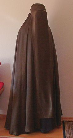 Abaya Pattern, Islam Women, Middle Eastern Fashion, Hijab Niqab, Modest Outfits, Swagg, Beauty Women, Muslim, Women Wear
