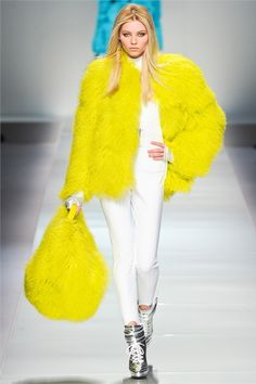 #moda Photos and comments to know the collection, the outfits and accessories for Blumarine Fall Winter 2012-13 presented