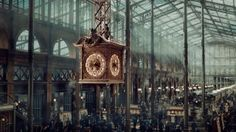 'Hugo', designed by Dante Ferretti (directed by Martin Scorsese) Martin Scorsese, Cabaret, Hugo Movie, Film Scene, Hugo Cabret, Film Grab, A Series Of Unfortunate Events, Scenic Design, About Time Movie