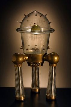 Inspired since childhood by sci-fi imaginario, American artist Rik Allen creates his fascinating spacecrafts with glass and metal. Make a vi. Sculpture Art, Sculptures, Steampunk Gadgets, Retro Rocket, Horror Themes, Futuristic Art, Retro Futurism, Sci Fi Art, Dieselpunk