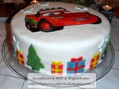 świąteczny tort z Zygzakiem