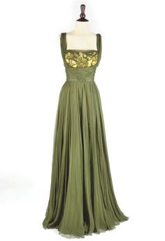 2dd5cd9f1f 101 Best Chiffon gown images