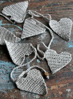 Crochet Garland - Wall Hanging - Valentine garland - Hearts garland- natural Crochet Bunting, Crochet Garland, Crochet Cushions, Crochet Flower Patterns, Crochet Motif, Crochet Flowers, Hand Crochet, Knit Crochet, Crochet Hearts