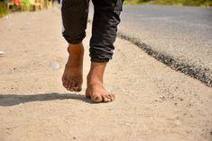 Ako a prečo chodiť naboso? Má to svoje zdravotné benefity