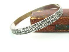 Amethyst And Silver Bracelet Mens Silver Necklace, Sterling Silver Bracelets, Silver Ring, Antique Bracelets, Bangle Bracelets, Bangles, Modern Jewelry, Vintage Jewelry, Antique Jewelry