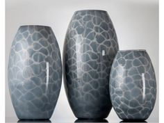 BLACK AND WHITE COLOURED VASE