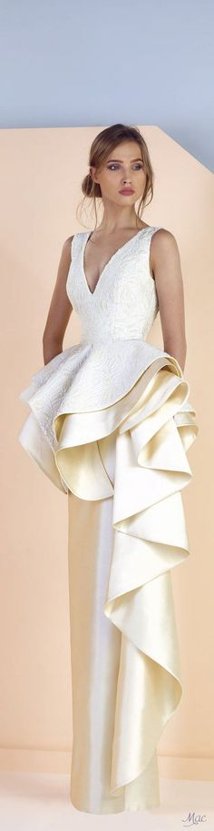 Spring 2017 Ready-to-Wear Divina by Edward Arsouni Runway Fashion Outfits, High Fashion Dresses, Lovely Dresses, Elegant Dresses, Vintage Dresses, Peplum Dresses, Short Dresses, Glamour, Fashion Night