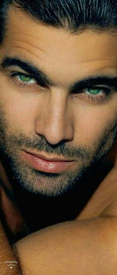 Mmmmm!!!! Those come hither eyes