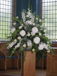 Farmgate Floral Design - Ceremony flowers - Beautiful and creative flower arrangements for weddings, private homes, churches, funerals, parties, corporate functions and events. We combine a bespoke service with the right colour, style and design for you.