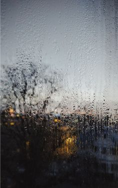 Photography of Window View and raindrops during a raining day. Rainy Window, Night Window, Window View, Rainy Day Photography, Window Photography, Rainy Mood, Rainy Night, Rainy Day Wallpaper, Rain Fall Down