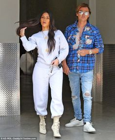 On Tuesday the mother of two looked to be in much better spirits as she laughed with shopping in Beverly Hills with sister Kourtney and best friend Jonathan Cheban. Bd Fashion, Star Fashion, Fashion Trends, Kardashian Jenner, Kourtney Kardashian, Kardashian Style, Yeezy Season 4, Jonathan Cheban, Celebrity Style