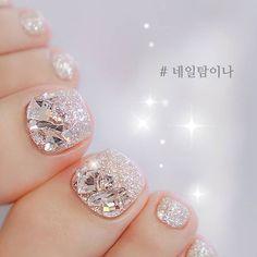 Wedding Holiday Toe Nails Silver Dip Powder Glitter Gorgeous nail designs Korean toe nail art – Care – Skin care , beauty ideas and skin care tips Wedding Toe Nails, Wedding Toes, Glitter Wedding Nails, Feet Nail Design, Toe Nail Designs, Pretty Toe Nails, Gorgeous Nails, Glitter Toe Nails, Feet Nails