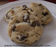 These cookies are easy and SO good! My favourite chocolate chip cookie recipe!