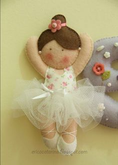 The sweetest blog on felting ♥  Use the translate button on her site.