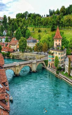 Travel Discover Bern Schweiz - Travel and Extra Places Around The World Oh The Places You& Go Travel Around The World Places To Travel Travel Destinations Around The Worlds Beautiful Places To Visit Wonderful Places Amazing Places On Earth Beautiful Places To Travel, Wonderful Places, Amazing Places On Earth, Places Around The World, Oh The Places You'll Go, Dream Vacations, Vacation Spots, Disney Vacations, Photos Voyages