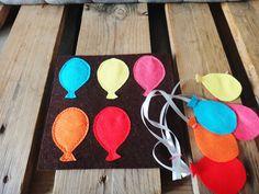 Quiet book diy Associer les ballons de la même couleur.