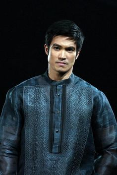 Barong Tagalog (traditional Filipino clothing for men) Barong Tagalog Wedding, Filipino Wedding, Filipiniana Dress, Filipino Fashion, Native Wears, European Men, Philippines Culture, Filipino Culture, Bride And Groom Pictures