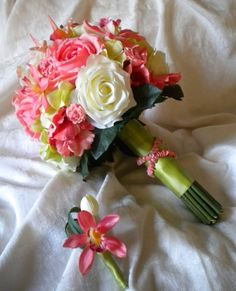 pretty coral bouquet