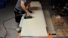 DIY Mobile & Modular Workbench To Bring Your Shop to the Next Level – Gadgets and Grain Garage Workbench Plans, Building A Workbench, Workbench Designs, Mobile Workbench, Diy Workbench, Folding Workbench, Jet Woodworking Tools, Woodworking Bench Plans, Woodworking Projects Diy