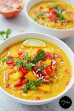 Pyszna zupa dyniowa po tajsku z krewetkami Soup Recipes, Snack Recipes, Dinner Recipes, Recipies, B Food, Food Porn, Keto Meal Plan, Meal Prep, Asian Recipes