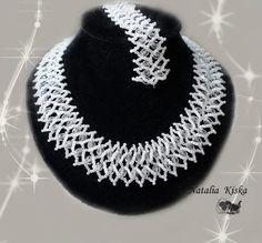 A pattern for beautiful necklace and bracelet Snowing day by Natalia Kiska