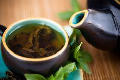 Six Health Benefits of Yerba Mate Tea / Nutrition / Healthy Eating Detox Drinks, Healthy Drinks, Get Healthy, Healthy Eating, Healthy Food, Green Tea For Hair, 28 Day Detox, Yerba Mate Tea, Stevia