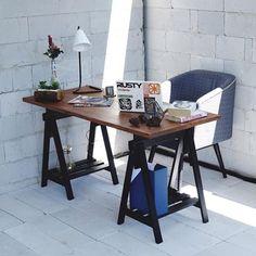 Kalau mejanya kaya gini, bakalan bikin kamu betah berlama lama kerja 😁