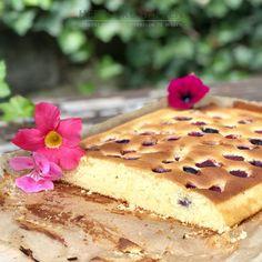 Ricotta plaatcake met vruchtjes Zoetigheid. Ik heb er zo ongelofelijk een haat-liefde verhouding mee! We weten allemaal dat we niet teveel suiker moeten eten w