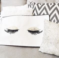 H&M lash pillow. h&m lash pillow makeup rooms
