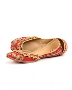 Bride's Treasure Jutties by Needle Dust Shop Now:   Needledust Indian Designer shoes..LOVE and WANT!