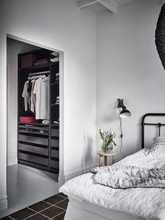 https://i.pinimg.com/236x/7f/4e/75/7f4e75709a6cdce9f7dde535f258c2be--scandinavian-interior-design-entrance.jpg
