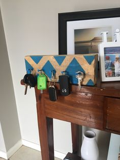 DIY; Homemade key hanger 1. Spare pice of wood preferably 30 - 40 cm (depending on amount of keys) 2. Sand wood until smooth 3. Nail some spare nails into the piece of wood (as many as you wish) 4. PAINT 🎨 And there you have it folks your own simple homemade key hanger 🤪