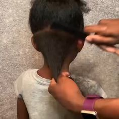How to 2 strand twists with beads videos afro Easy Kids natural hairstyles Toddler Braided Hairstyles, Kids Curly Hairstyles, Natural Hairstyles For Kids, Natural Hair Styles, Little Girls Natural Hairstyles, Hairstyles Videos, Simple Hairstyles, Little Girl Braids, Braids For Kids