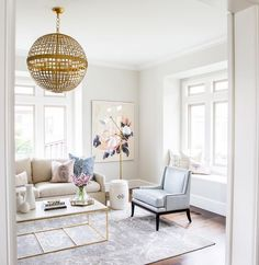 Light colors and gold accents, coastal, simple