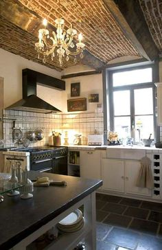 Country Cottage Décor ● Kitchen