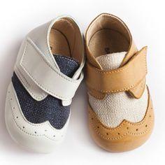Ανατομικά παπούτσια για αγοράκι της ελληνικής εταιρείας Babywalker. Το  παπούτσι αυτό είναι διαθέσιμο σε λευκό e2fb455fba7
