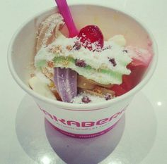 Happy Waka Saturday! Can you also not wait for the Wakaberry George store to open? Three weeks and counting... #wakaberry #newstore