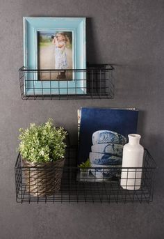 Organize all your items with the help of our Black Wall Hanging Wire Basket Set! These baskets are perfect to have in a bathroom, office, or pantry! Wire Basket Decor, Wire Wall Basket, Hanging Wire Basket, Metal Baskets, Basket Decoration, Baskets On Wall, Bathroom Organisation, Wall Organization, Wall Storage