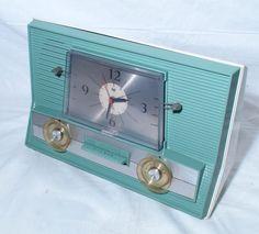 old radio clock