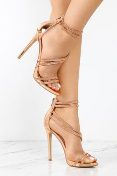 FREE SHIPPING on ALL Domestic Orders over $75.00. Lola Shoetique is devoted to bringing our fashion forward babes the most coveted styles of the season!