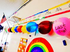 Cute class countdown to the last day of school.   I think I can use this balloon idea as a count down until summer vacation is over and it is time to head back to school:)