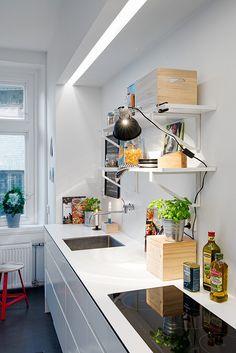FIND OUT: Scandinavian Kitchen Interior Design With Beautiful Appliances Scandinavian Interior Design, Scandinavian Kitchen, Interior Design Kitchen, Simple Kitchen Design, Best Kitchen Designs, Kitchen Ideas, Bright Kitchens, Home Kitchens, Küchen Design