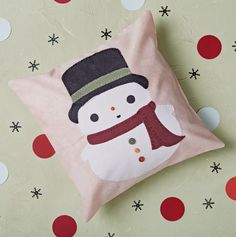 Week 2 of 12 Weeks of Christmas -- Download your FREE copy of the Sullivan the Snowman Pattern » #12WOC